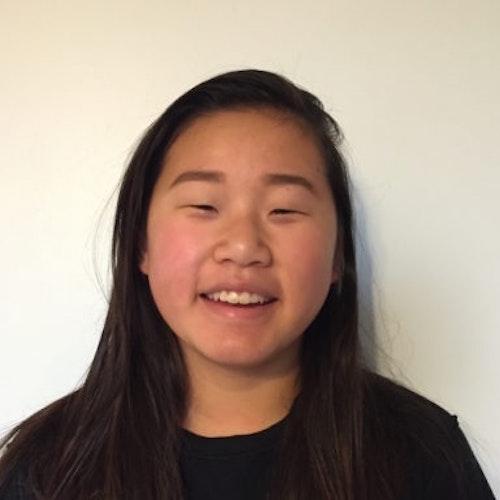 Foto do rosto de Angie Jiang, consultora adolescente de 2017-2018