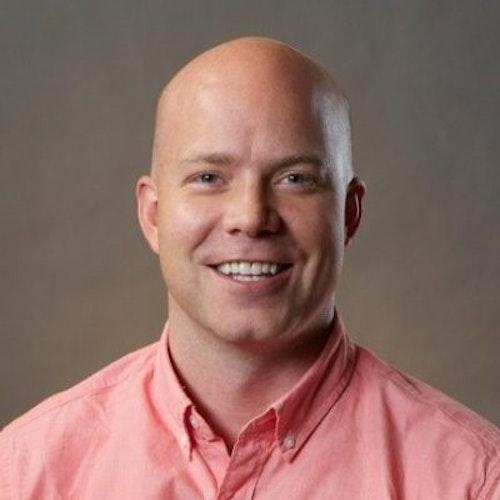 Davis Smith, Conselho Consultivo (foto de perto, tendo um plano de fundo escuro)