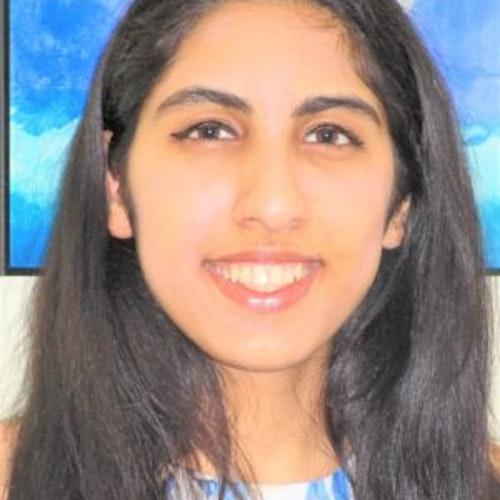 Foto do rosto de Khushi Gandhi, consultora adolescente da classe 2017-2018