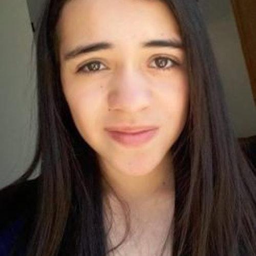 Paola Celeste Alanís Ricárdez, consultora adolescente de 2017-2018 (selfie do rosto em close muito perto)