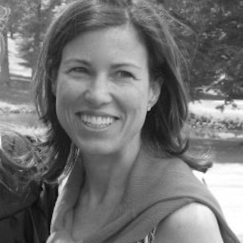 Susan Sherrerd, Conselho Consultivo (foto de perto em preto e branco, sem olhar para a câmera)