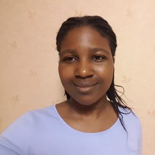 Foto de perto de Toni Bamisaye, consultora adolescente da classe 2018-2019