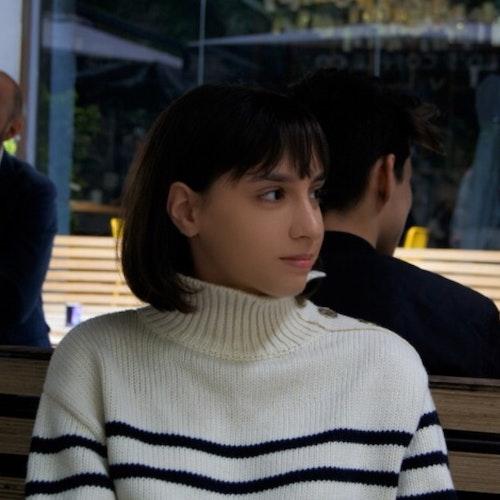 Sofia Scarlat, consultora adolescente de 2019-2020 (foto de rosto), mostrando apenas o perfil