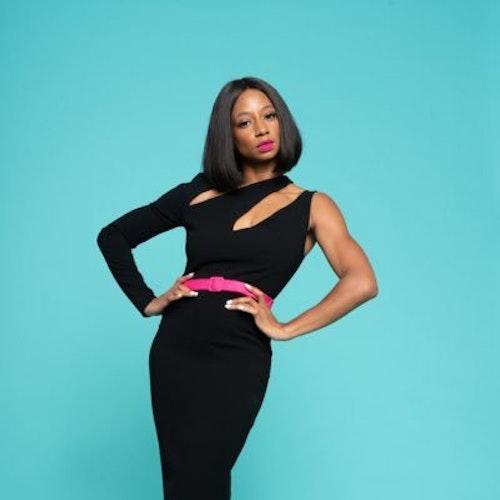 Monique Coleman, Champion de 2014 (fotografía de cuerpo completo)